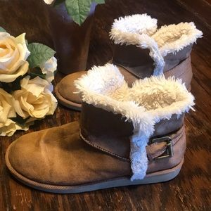 "SALE! Womens SIZE 6 Ankle Booties 9 1/2"" SO brand"